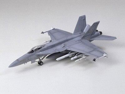 Tamiya #60746 – Tamiya 1/72 F/A-18E Super Hornet