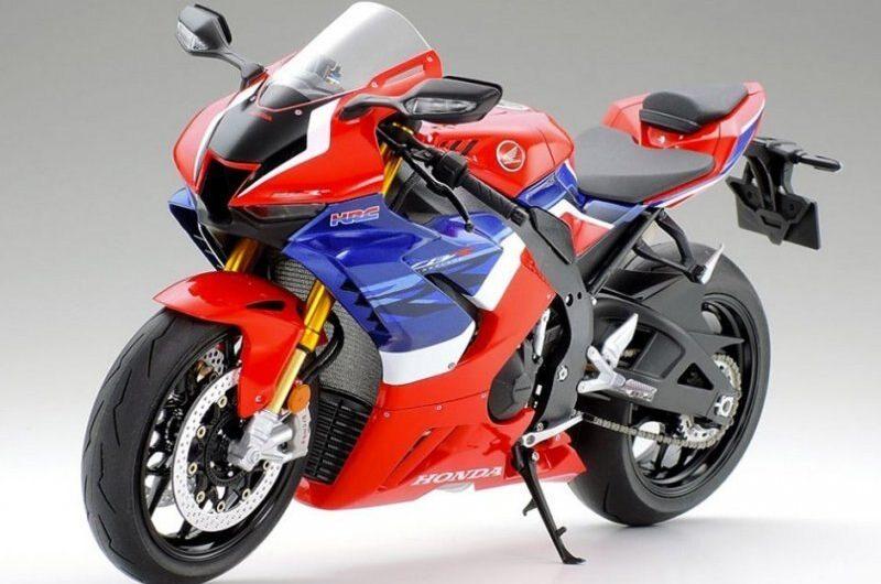 Tamiya #14138 – 1/12 Honda CBR1000RR-R Fireblade SP